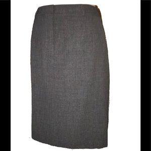 "Ann Taylor Gray ""Stretch"" Pencil Skirt Sz.12. EUC"